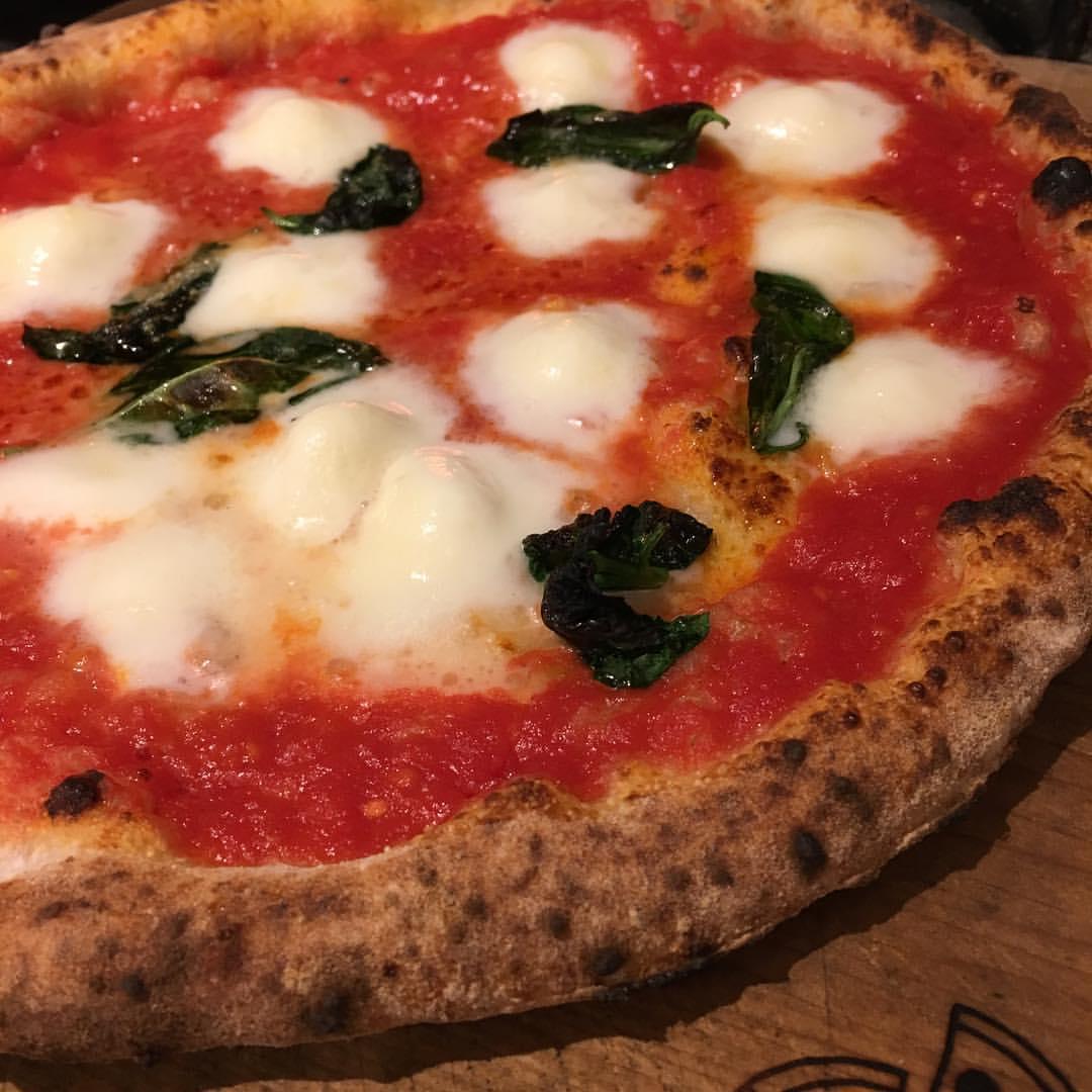 布施のザッツピザのおしゃれなピザパーティセット