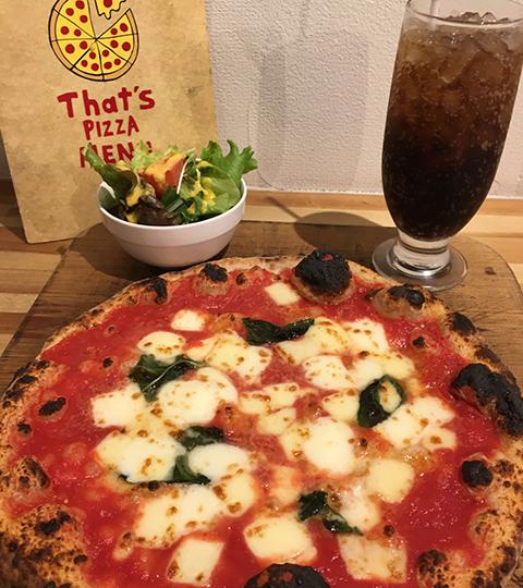 ピザ・ソフトドリンク・ミニサラダ